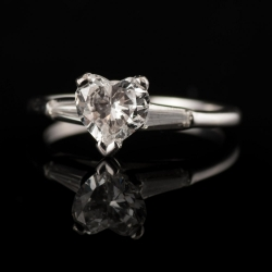 14k White Gold 1.04ct (apprx) Heart Shape Diamond Engagement Ring with Two Baquette Side Diamonds