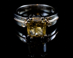 14Karat 3.01ct Brown/Orange (I1) diamond ring. $9400